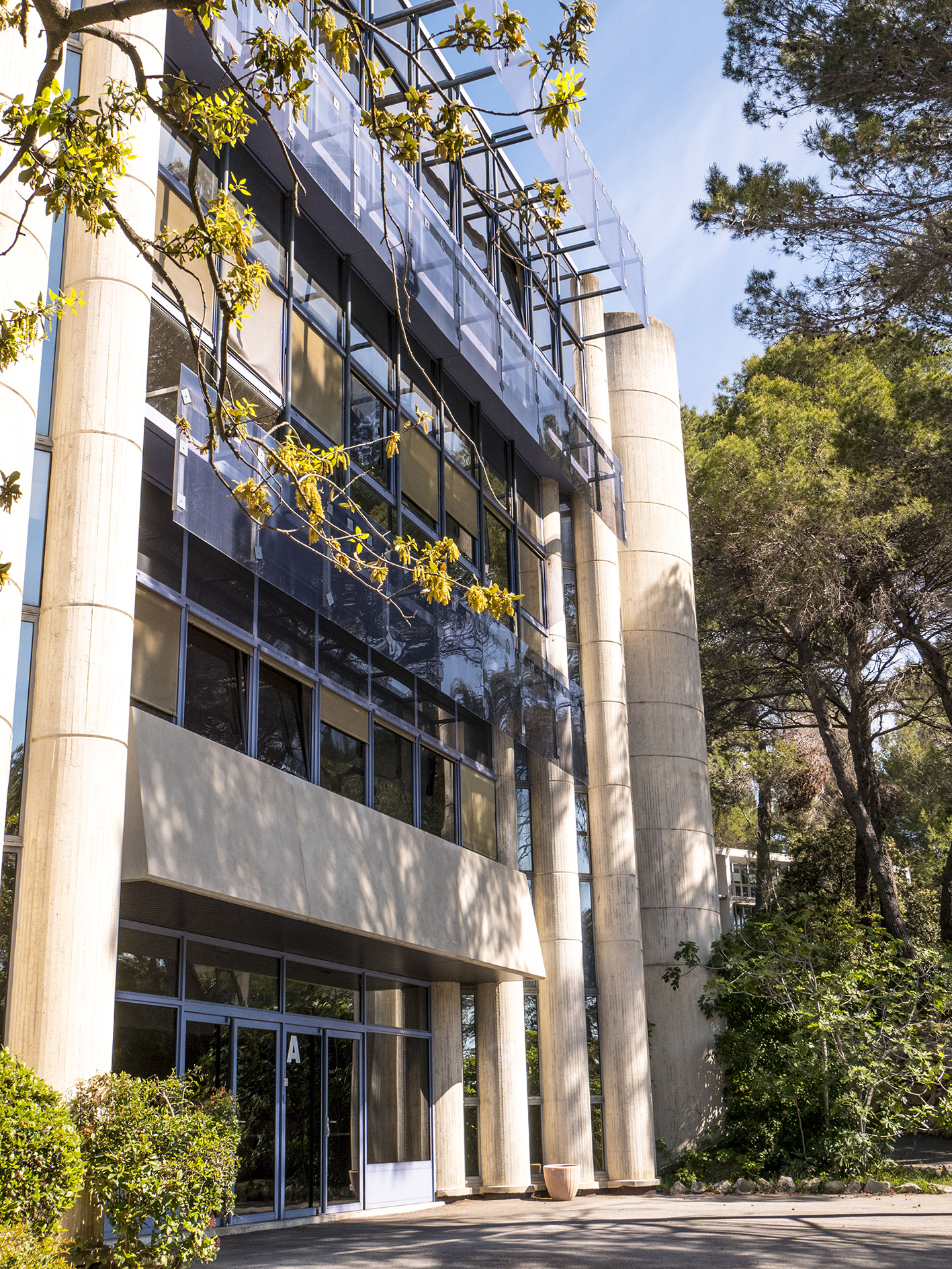 Building of MINES ParisTech in Sophia Antipolis campus